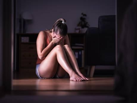 Moeder tegen verdachte verkrachtingszaak Neede: 'Mijn dochter op haar 14e verjaardag verkrachten, hoe durf je?'