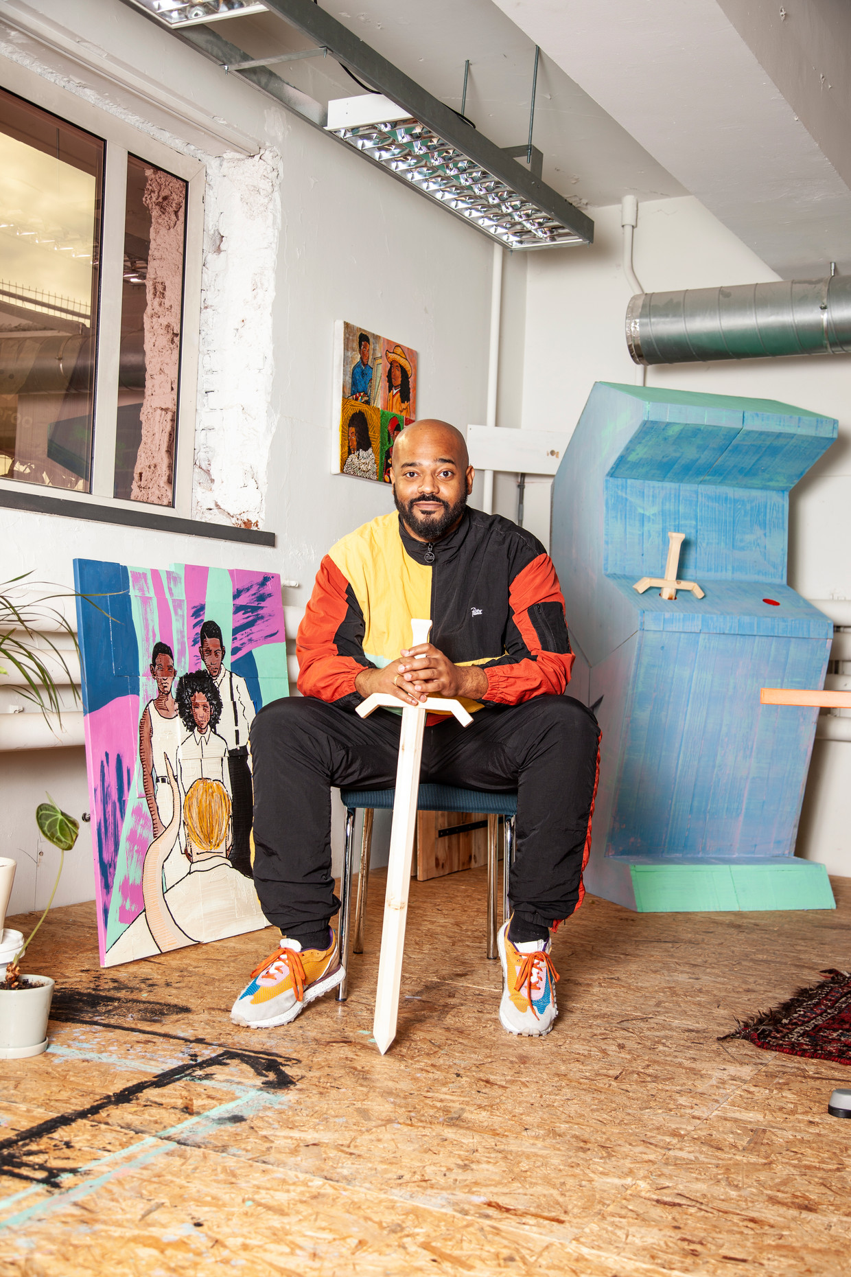 Brian Elstak in zijn atelier. Beeld Ernst Coppejans
