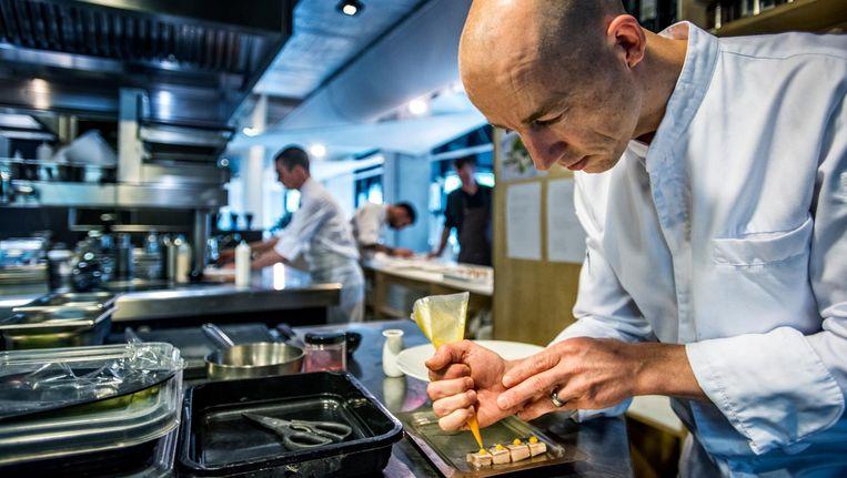 Chef Luc Kusters van restaurant Bolenius. Beeld Raymond Rutting / de Volkskrant
