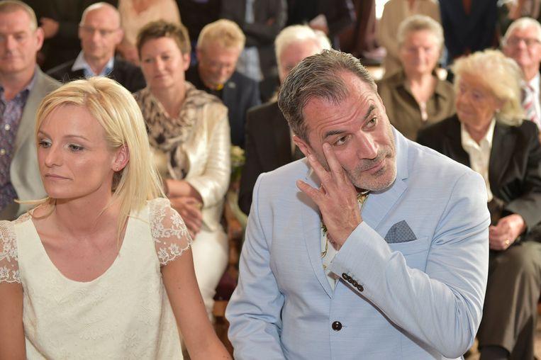 Edegem 24/05/2016, trouw guy van sande met Nathalie Vergauwen te gemeentehuis Edegem (picture by Florian Van Eenoo/photonews) picture not included in contract