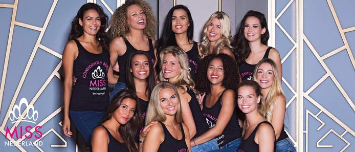 De finalisten van Miss Nederland 2017. Moo Miero (rechtsboven) en Romy Dyanne (linksonder) dingen mee.
