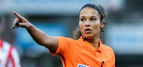 Primeur in Eindhoven: eerste vrouwelijke vierde official in betaald voetbal