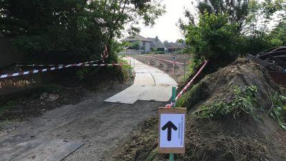 """Extra verkeersmaatregelen rond sporthal Ichtegem voor stembusgang: """"Kom te voet of met de fiets"""""""