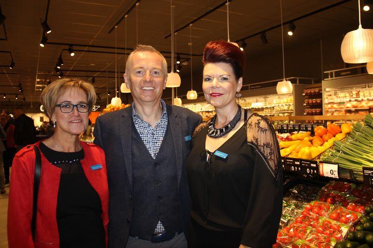 Winkelmanager Christine Drielinck samen met franchisenemers Jean-Paul Fraeyman en Inge Vanluchene.