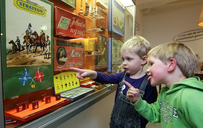 De dreigende sluiting van het Deventer Speelgoedmuseum komt vanavond aan de orde op het drukbezette Deventer stadhuis.