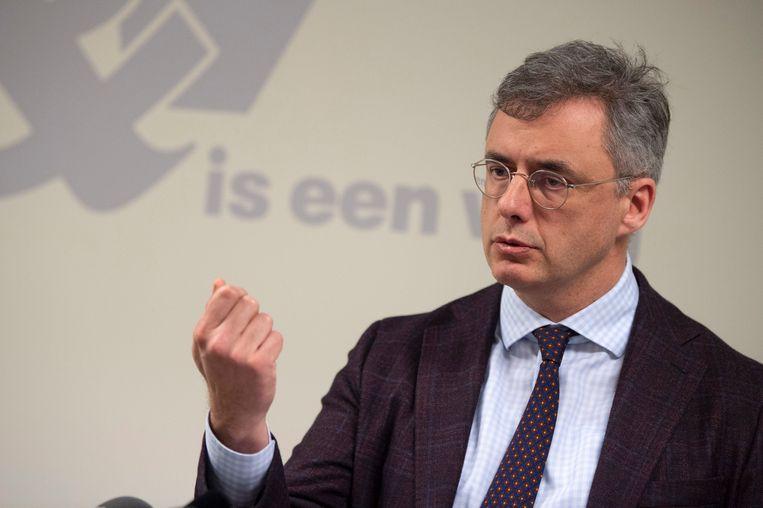 CD&V-voorzitter Joachim Coens pleit voor herwaardering zorgsector.