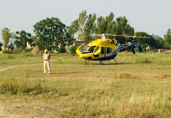De regering van Punjab heeft een helikopter klaar staan om de jongen naar het ziekenhuis te brengen wanneer hij uit de put gehaald zou worden.