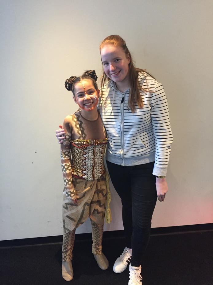 Quinty en vriendin Chaska in de rol van kleine Nala.