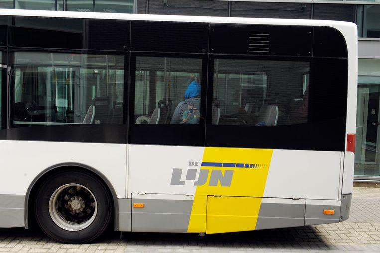 in Ingelmunster kwam het tot een botsing tussen een auto en een bus