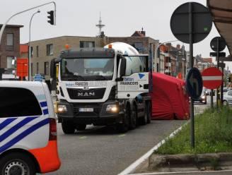 Fietsster overleden na aanrijding door betonmixer