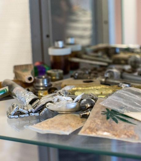 Grapperhaus is smokkelpraktijken beu: 'lockdown' van gevangenissen in Zutphen en Grave