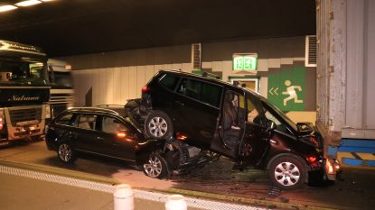 """Wegen en Verkeer wil bestuurders 'tunnelreflex' aanleren: """"Meer afstand houden met je voorligger zodra je tunnel inrijdt"""""""