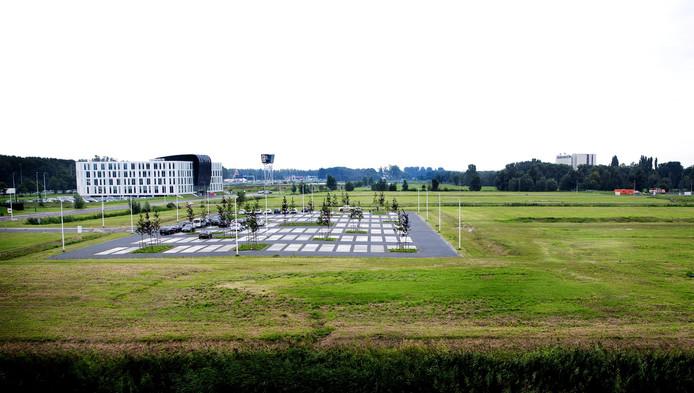 Het terrein van Technopolis langs de A13 bij Delft. Hier kan volgens GroenLinks Delft 'prima' een tentenkamp worden opgezet.