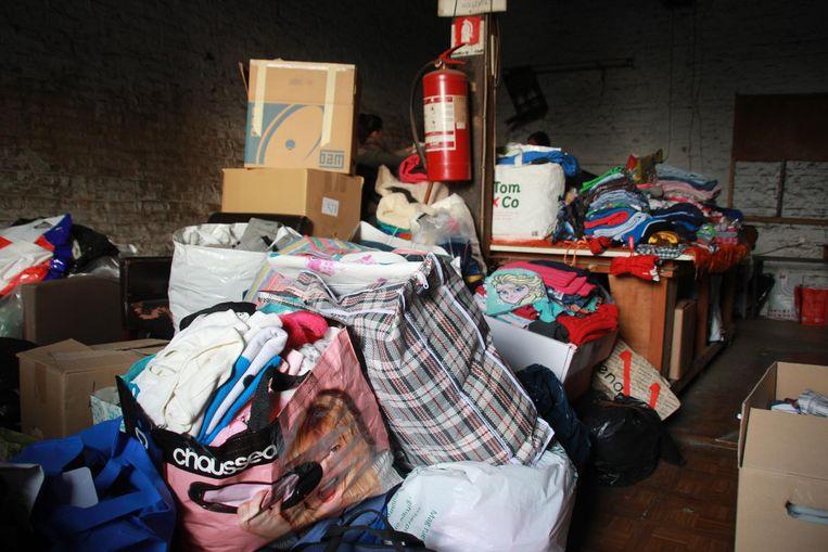 De schuur stond na een uur werkelijk overvol met allerhande spullen.