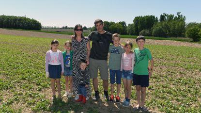 Een huishouden met 6 kinderen, werken als diëtiste en mee een boerderij runnen in tijden van corona: niets is onmogelijk, bewijst mama Valérie (40)