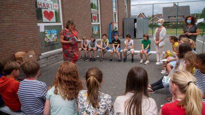 Leerlingen De Wegwijzer zijn personages in nieuwe For Girls Only!-boek van Nederlandse Hetty Van Aar