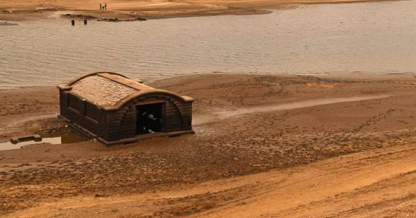 Lage waterstand van stuwmeer onthult opnieuw verloren for Engelse tuin 1 waalre