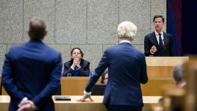 MInister Bert Koenders van buitenlandse zaken en premier Mark Rutte tijdens het Tweede Kamerdebat over de uitslag van het Oekraïne-referendum. Beeld anp