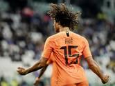 Aké maakt met kopbal historische treffer voor Oranje