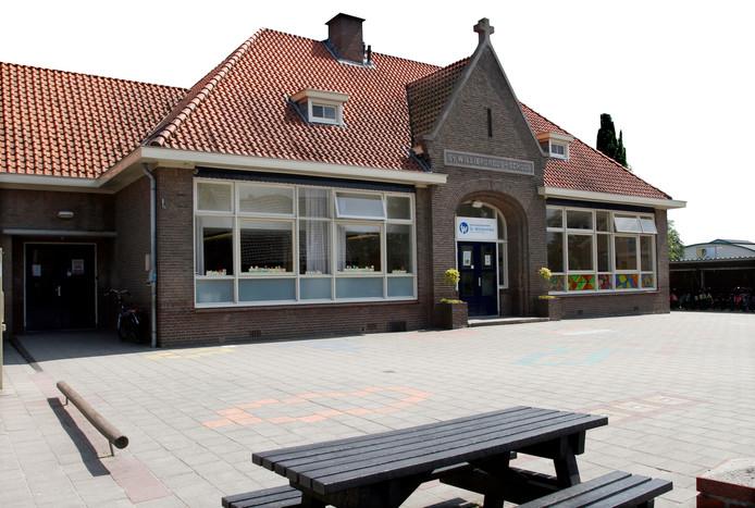 De vroegere Willibrordusschool aan de Stationsstraat in Ruurlo.
