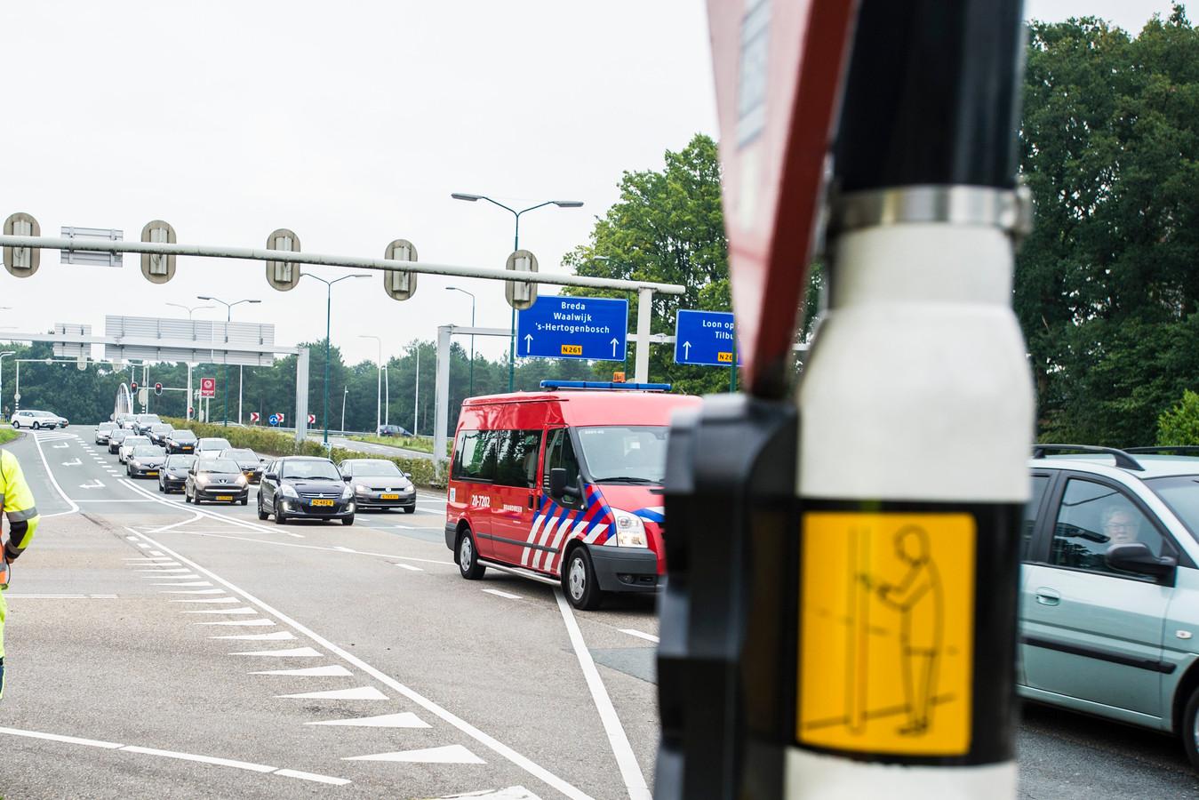 Vanaf juli 2019 hoeft het autoverkeer op de kruising van de Europalaan met de Horst niet meer te wachten voor overstekende voetgangers en fietsers. Die kunnen dan gebruik maken van de nieuwe fietstunnel onder de weg.