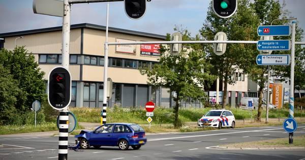 Forse schade bij aanrijding op Enschedesestraat in Oldenzaal.
