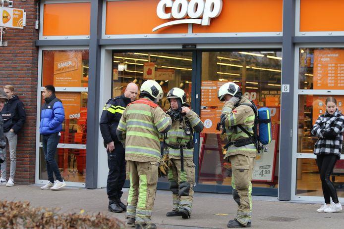 Zondagmorgen werd een vreemde lucht waar genomen in supermarkt Coop aan de De Minnehof in Eemnes.