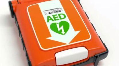 Politie Polder rust interventievoertuigen uit met AED
