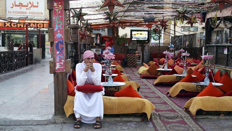 Een leeg café in Sharm al-Sheikh. Beeld reuters