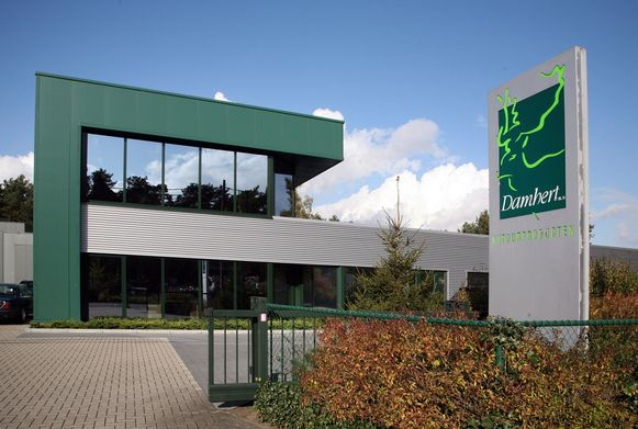 De bedrijfsgebouwen van Damhert in Heusden-Zolder, waar de wormenburgers worden ontwikkeld.