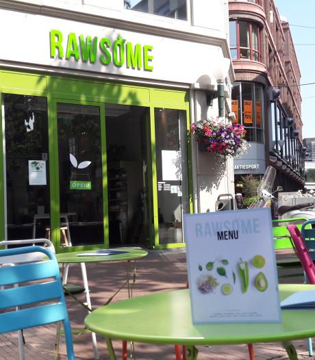 En weer verdwijnt een zaak uit het Musiskwartier: lunchroom Rawsome stopt ermee