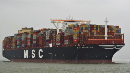 Nieuw recordschip voor haven: MSC Isabella stapelt 24 rijen containers op dek