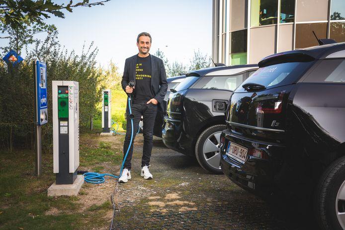 Planet Group-CEO Sam Baro haalde twee jaar geleden het nieuws, omdat zijn bedrijf het groenste wagenpark van het land had. Van de 50 BMW i3's die hij toen had aangekocht, staan er vandaag 10 à 15 ongebruikt op de parking.
