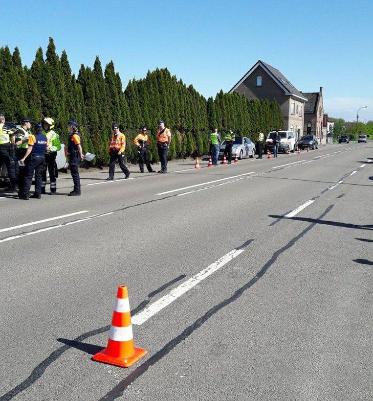De politie had een controlepost in Sint-Laureins.