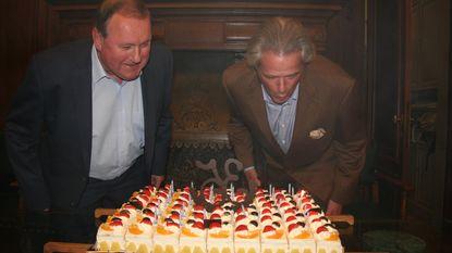 Burgemeester en schepen vieren 35 jaar in gemeenteraad met taart