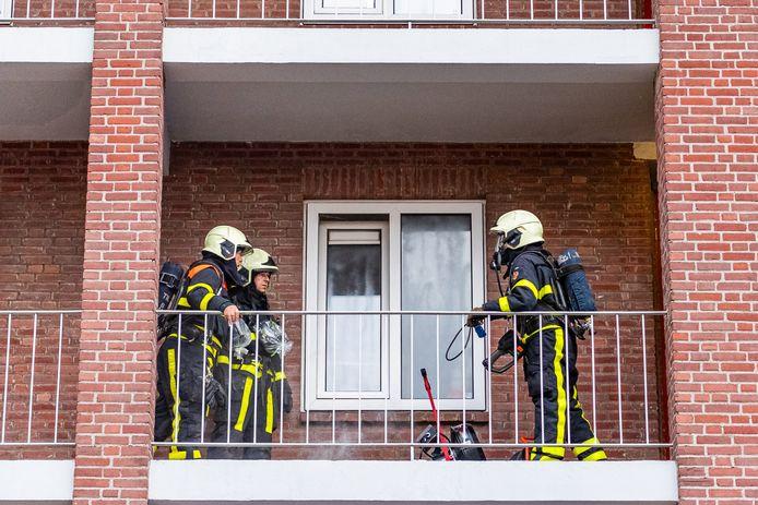 Bewoner gewond bij keukenbrand in Tilburg.