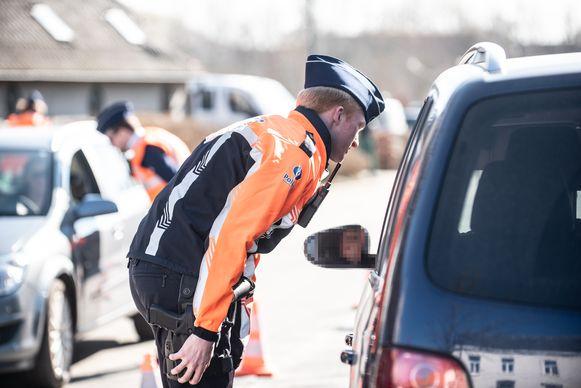 De politie van de zone Schelde-Leie deed vorige jaar dubbel zo veel snelheidscontroles als in 2017