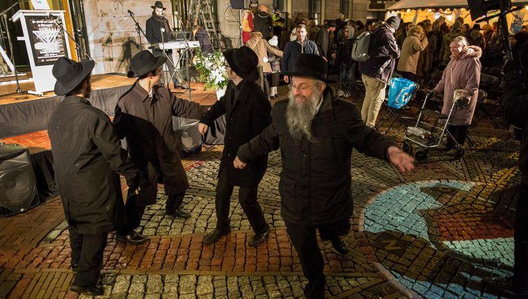 Dansen tegen de onverschilligheid Beeld John van Hamond