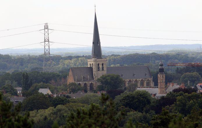 Uitzicht over Herentals vanop de Toeristentoren. Rechts de toren van de Lakenhal, links de St.-Waldetrudiskerk.