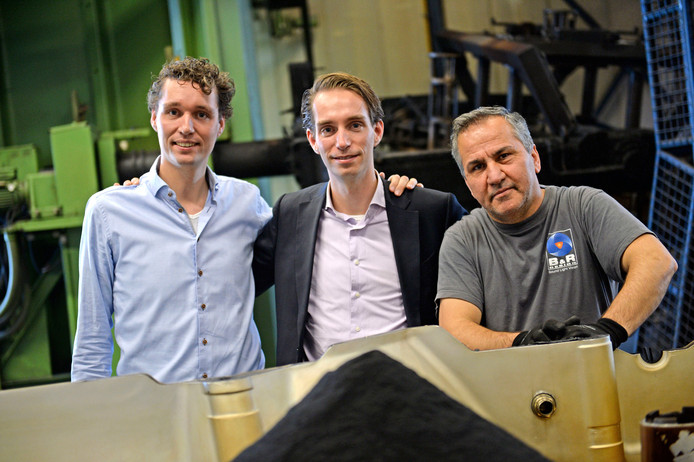 Van links naar rechts: Wouter Koorn, Marthijn Koorn en Araz Siroub van Pentas Moulding.