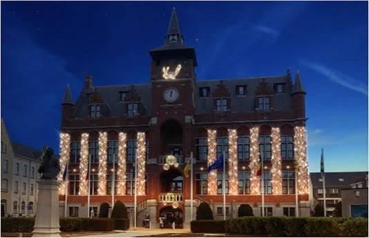 Het stadhuis krijgt eveneens sfeervolle verlichting.