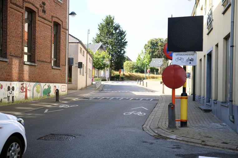 In Everberg wordt sluipverkeer uit sommige straten geweerd met speciale borden.