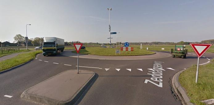 De rotonde in de N316 ter hoogte van Zeddam wordt vernieuwd.