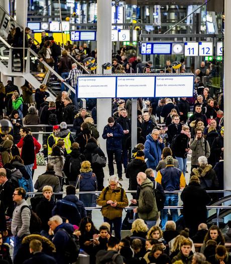 LIVE: Treinstations worden langzaam rustiger