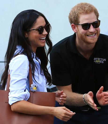 Prins Harry en Meghan flirten wat af. In het openbaar!