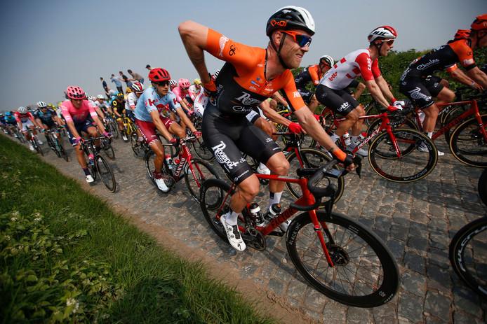 Lars Boom in actie tijdens de Ronde van Vlaanderen.
