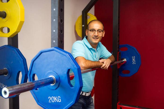 Mehdi Ghoochannejhad waarschuwt sporters om na een kruisbandblessure niet te snel weer op het veld te willen staan.