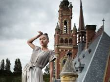 Mondkapjes maken in Madurodam tijdens The Hague Fashion Weekend