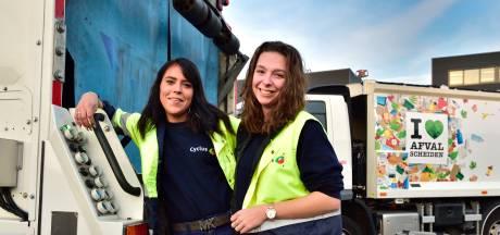 Deze twee stiefzussen werken allebei op de vuilniswagen: 'Kantoorbaan is niks voor ons'