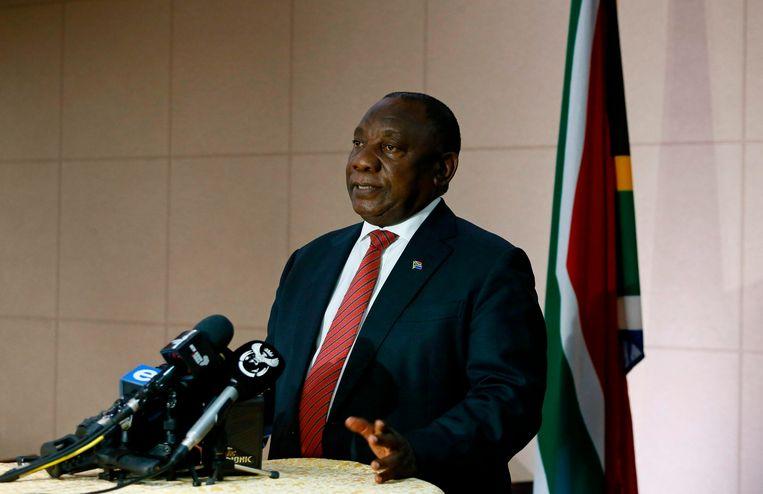 De Zuid-Afrikaanse president Cyril Ramaphosa geeft een persconferentie na een virtuele G20-top op 26 maart 2020.  Beeld AFP